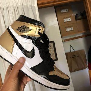 "Jordan Retro ""Gold Toes"" 1s"